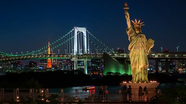 Estatua de la libertad en la isla de Odaiba (Tokio)