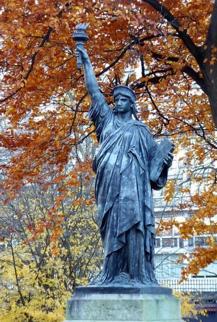 Estatua de la libertad en el Jardín de Luxemburgo, de 2013.
