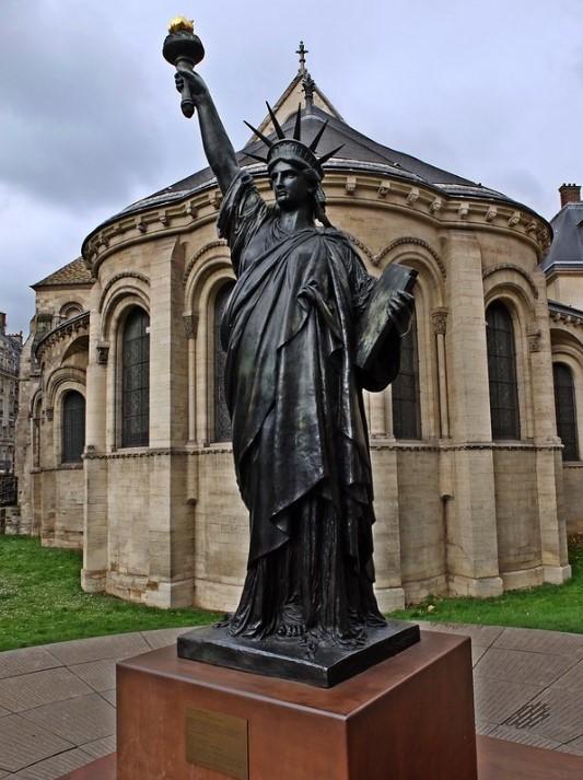 modelo en bronce museo de las artes y oficios de paris