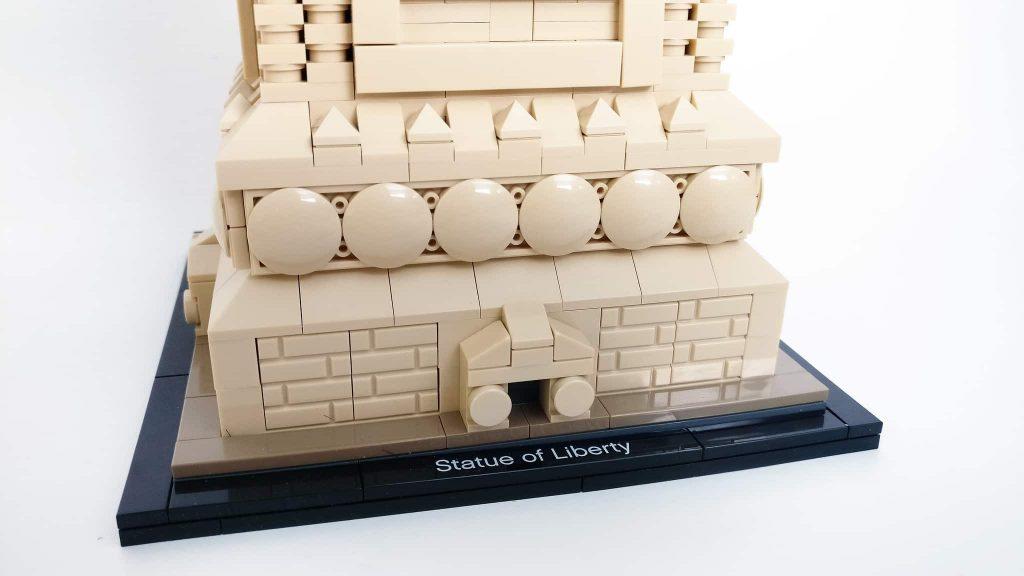 pedestal lego