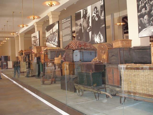 sala de equipajes museo de la inmigracion ellis island